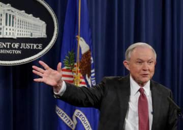 Las reuniones con el embajador ruso fuerzan a Sessions a apartarse del caso