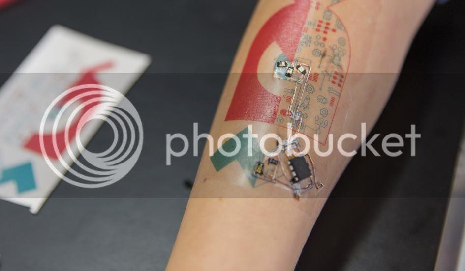 Tech Tats Tatuajes Electrónicos Que Monitorizan Signos Vitales