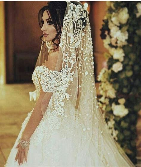Best 25  Spanish veil ideas on Pinterest   Spanish wedding