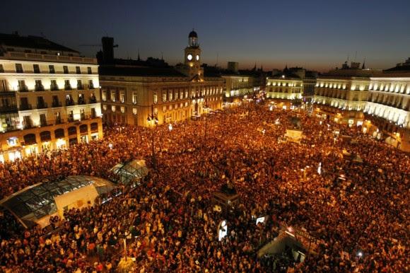 Aspecto da Puerta del Sol de Madrid, depois de oito horas.  Foto: O País