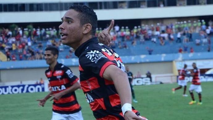Luiz Fernando - meia do Atlético-GO (Foto: Divulgação / Atlético-GO)