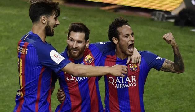 Resultado de imagen para 3-1. Goles de Messi y Neymar consuelan al Barcelona