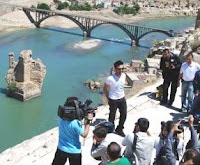 Tarkan by the Tigris River in May