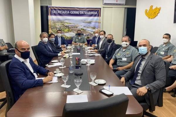 Ibaneis negocia área da Marinha para construção de nova cidade no DF