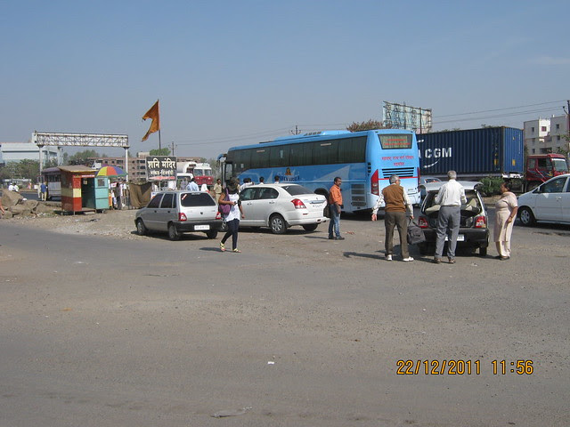 Shani Mandir Chowk, Wakad Pune 411 057 - Pick Up Point for Mumbai Buses on Mumbai Bangalore Bypass