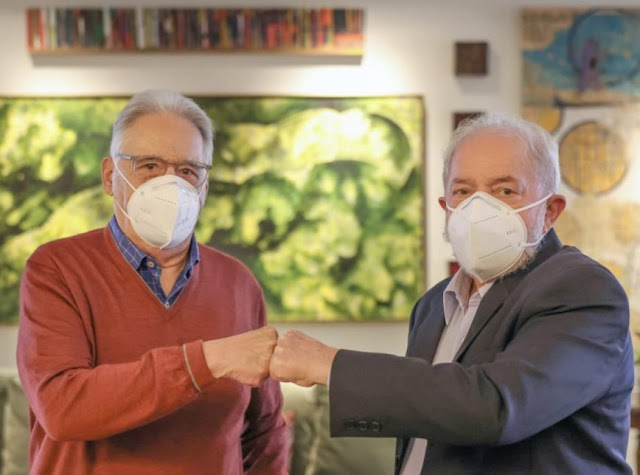Fernando Henrique e Lula se reúnem