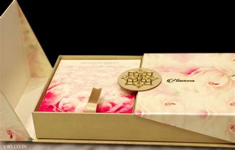 Floral Pearl Finish   Voguish Wedding Invitations