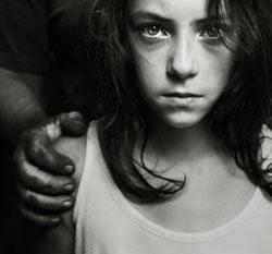 female-victim-in-grip