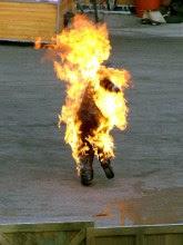 Pastor evangélico se suicida durante protesto ateando fogo ao próprio corpo; Entenda