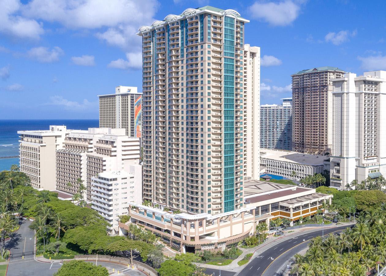The Grand Islander  Hilton Grand Vacations ClubParadise