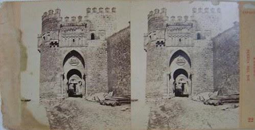 Fotografía estereoscópica de Toledo. Puerta del Sol