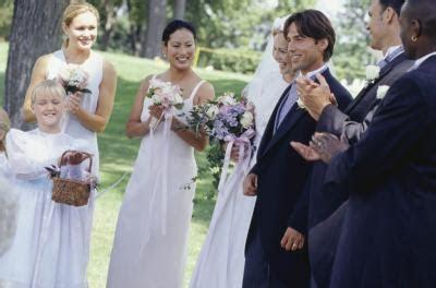 Wedding Ceremony Etiquette for Groomsmen & Bridesmaids