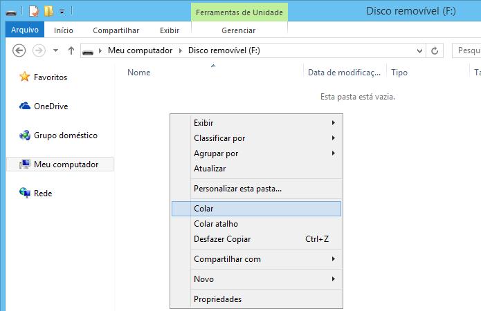 Cole os arquivos de instalação do Windows 10  no pen drive (Foto: Reprodução/Helito Bijora)