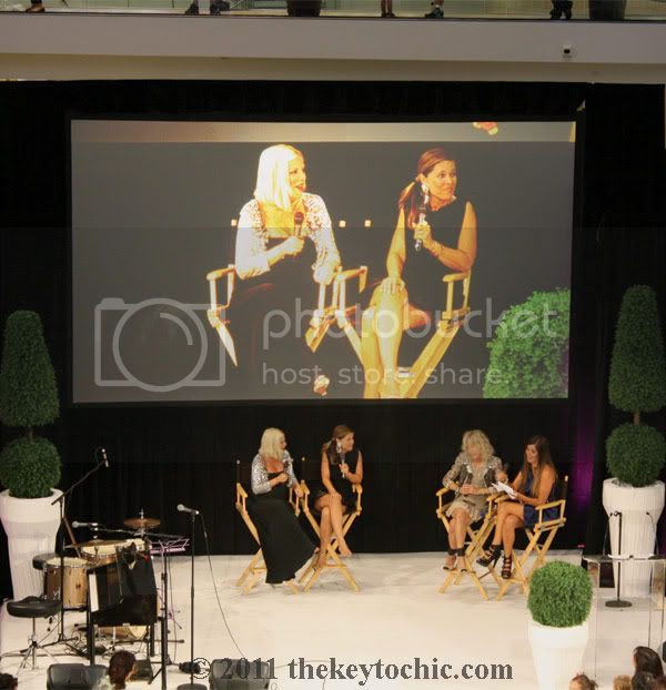 Westfield Topanga Fashion's Night Out 2011, Tori Spelling, Fashion's Night Out Los Angeles