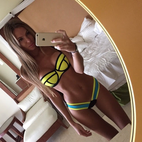 sexy-selfies-23
