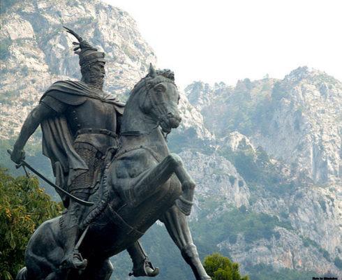 Skanderbeg Monument in Krujë