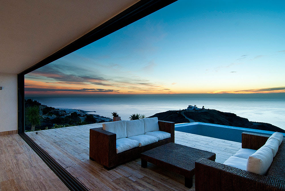 25 rooms with ocean  views  you want to spend your entire