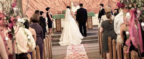 lighting the unity candle at your wedding ceremony