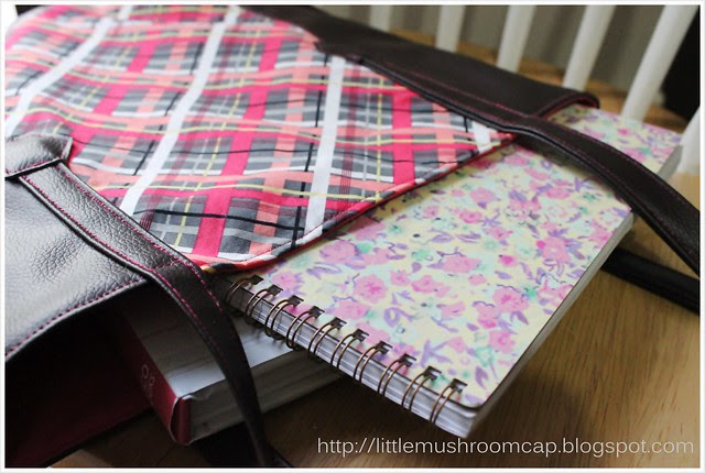 Tutorial tote bag using faux leather and quiting cotton_ how to sew faux leather_laid