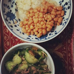 #dinner niçoise-ish salad & canned baked beans with rice #japan