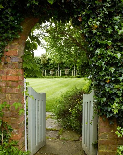Sussex uk farmhouse garden content in a cottage Maroon 5 td garden td garden october 7