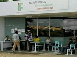 Com a greve, no campus Petrolina, cerca de 2.600 alunos estão sem aula (Foto: Reprodução/TV Grande Rio)