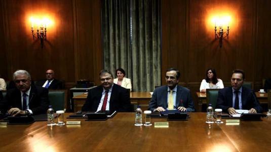 Spiegel αδειάζει Σαμαρά, κυβέρνηση: Ανίκανοι και υποκριτές