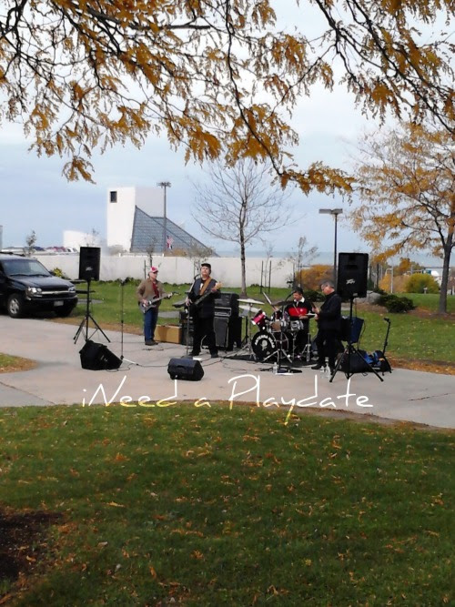 Wordless Wednesday - A Band in the Park