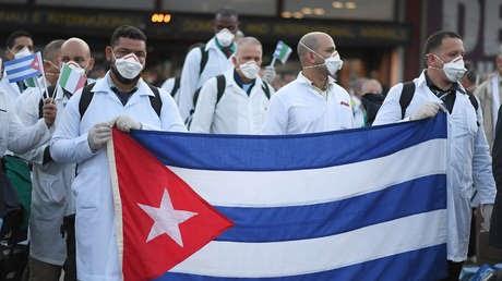 Aplauden a los médicos cubanos que viajaron a Italia para luchar contra el coronavirus