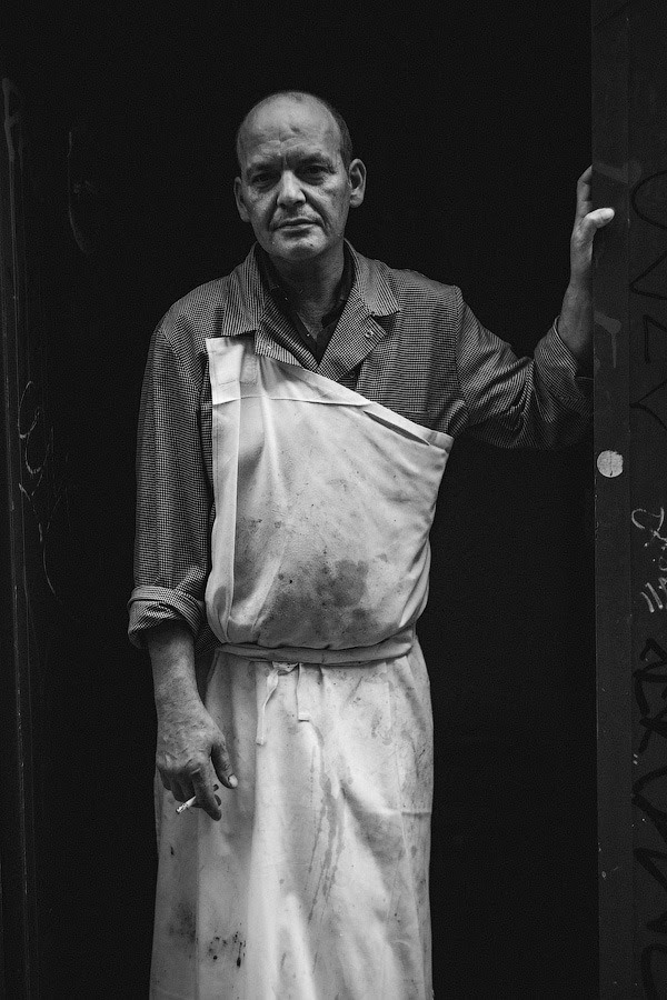 #213 — Loud kitchen sounds were coming behind him © 365 Parisiens by Constantin Mashinskiy – Tumblr – Facebook