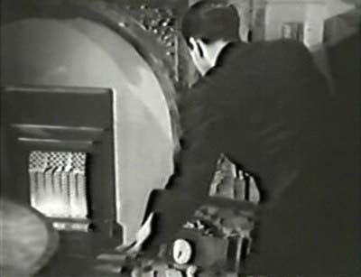 Calling Paul Temple: The Bomb