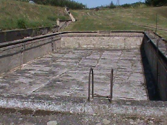 The were forced to make a swimming pool ... - Picture of Terezin ...
