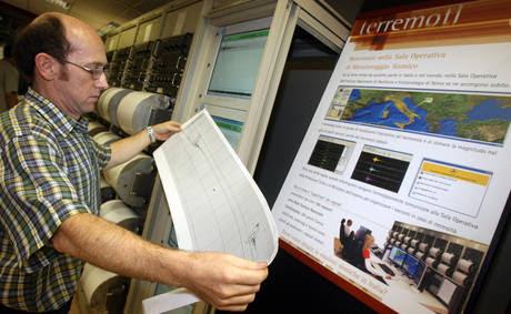 Un geologo dell'Istituto nazionale di geofisica e vulcanologia