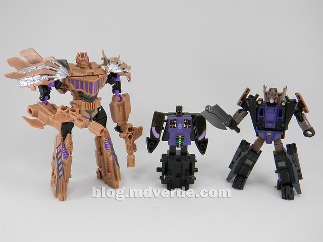 Transformers Blast Off Generations Fall of Cybertron - SDCC Exclusive - modo robot vs G1 vs FansProject