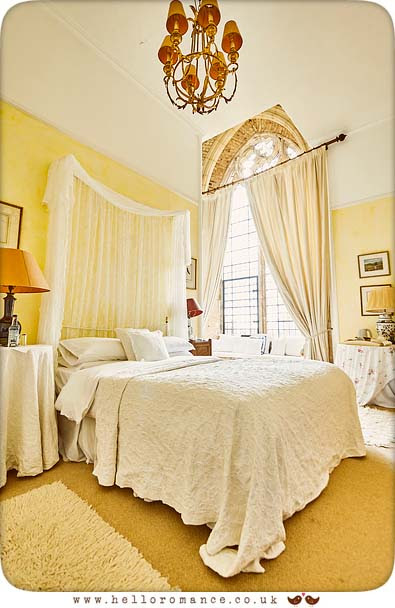 Bedroom, Butley Priory - www.helloromance.co.uk