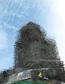 There are about newer photos of the Big Buddha on the weblog  <a href=