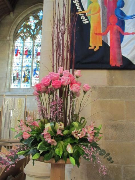 church floral arrangement ideas   Pin Church Decorating