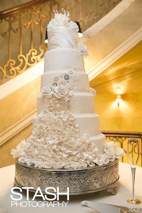 Best 25  Tall Wedding Cakes ideas on Pinterest   Ivory