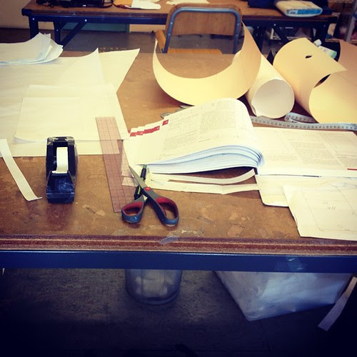 Contoured waistband with free hanging lining #patterndrafting #apparelarts