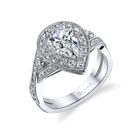 Vivienne   Oval Shaped East to West Halo Engagement Ring