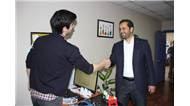 Ak Parti Milletvekili adayı Ahmet Berat Çonkar, Maltepe'de esnafı ziyaret etti.