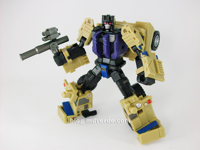 Transformers Munitioner FansProject - modo robot