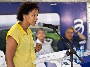 Juliana Dantas Paiva realizou cursos de qualificação profissional e se tornou instrutora do Senai  (Foto: +Consultoria Social/Arquivo)