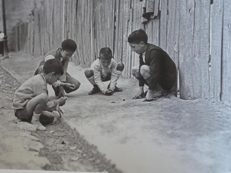 Resultado de imagen para niños de antes jugando