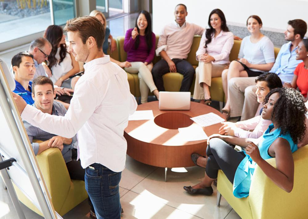 Brainstorming sessions among HR employees can aid in problem solving.