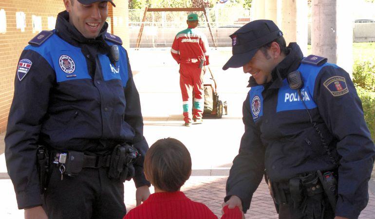 El fin de estas jornadas es facilitar a cuantos trabajan con la infancia las  novedades jurídicas que afectan a los menores para su protección