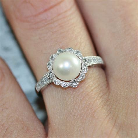 Vintage Inspired Floral Pearl Ring in 10k White Gold Pearl