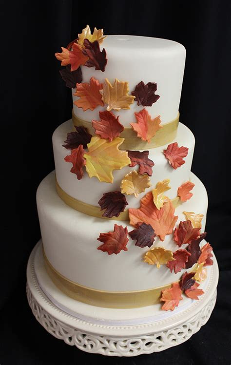 We Love Fall Weddings!   Blog.OakleafCakes.com