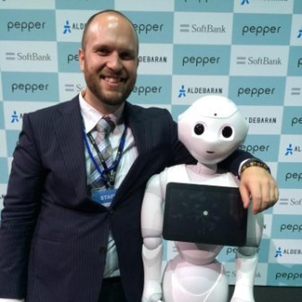 Sean McKelvey, desenvolvedor da Softbank Robotics e 'pai' do Pepper, robô capaz de identificar emoções humanas. (Foto: Divulgação/Wired Festival)