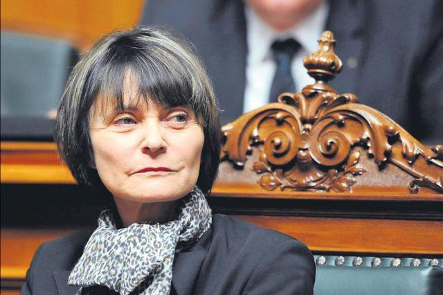 Hat im Parlament nicht mehr viele Freunde: Micheline Calmy-Rey gestern vor der Bundesversammlung.